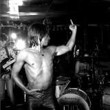 Iggy Pop Flips The Bird
